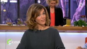Julie Andrieu dans C à Vous - 16/03/12 - 03