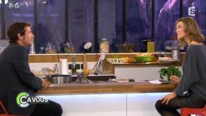 Julie Andrieu dans C à Vous - 16/03/12 - 04