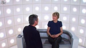 Karin Viard dans le Grand Journal de Canal Plus - 24/04/12 - 01