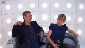 Karin Viard dans le Grand Journal de Canal Plus - 24/04/12 - 02