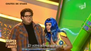 Katy Perry dans le Betisier de l Annee - 20/12/11 - 02