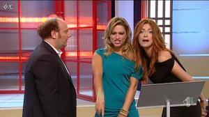 Lola Ponce et Miriam Leone dans Ale E Franz Show - 18/12/11 - 05