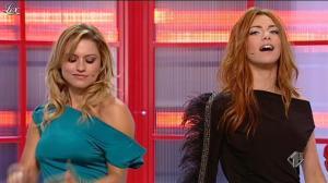 Lola Ponce et Miriam Leone dans Ale E Franz Show - 18/12/11 - 08