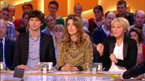 Mademoiselle Agnès dans le Grand Journal de Canal Plus - 24/02/12 - 03