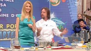 Adriana Volpe dans I Fatti Vostri - 19/03/13 - 10