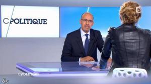 Caroline Roux dans C Politique - 24/03/13 - 13