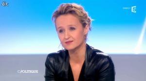 Caroline Roux dans C Politique - 24/03/13 - 32