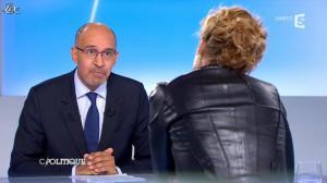Caroline Roux dans C Politique - 24/03/13 - 36