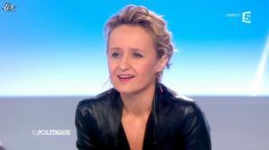 Caroline Roux dans C Politique - 24/03/13 - 45