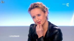 Caroline Roux dans C Politique - 24/03/13 - 49