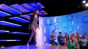 Doria Tillier dans le Grand Journal de Canal Plus - 18/04/13 - 03