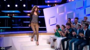 Doria Tillier dans le Grand Journal de Canal Plus - 18/04/13 - 06