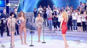 Federica Panicucci dans Domenica 5 - 17/04/11 - 41