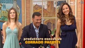 Laura Barriales et Arianna Rendina dans Mezzogiorno in Famiglia - 19/01/13 - 03