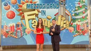 Laura Barriales dans Mezzogiorno in Famiglia - 30/12/12 - 035