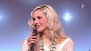 Camille Lou dans le Grand Show - 28/02/15 - 03