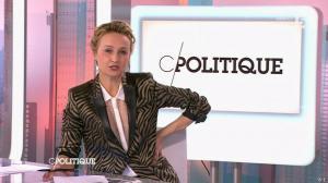Caroline Roux dans C Politique - 22/02/15 - 15