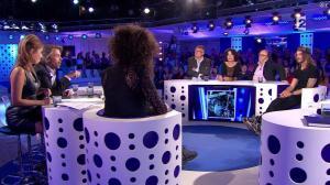 Léa Salamé dans On n'est pas Couché - 13/09/14 - 35