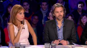 Léa Salamé dans On n'est pas Couché - 15/11/14 - 04