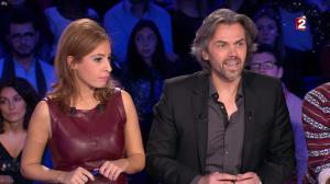 Léa Salamé dans On n'est pas Couché - 20/12/14 - 18