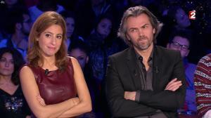 Léa Salamé dans On n'est pas Couché - 20/12/14 - 42