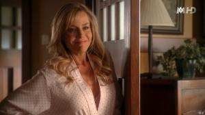 Julie Benz dans Desperate Housewives - 11/11/15 - 12