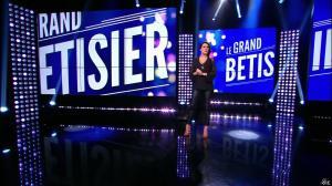 Karine Ferri dans le Grand Betisier - 05/04/16 - 01
