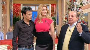 Adriana Volpe dans I Fatti Vostri - 15/12/11 - 10