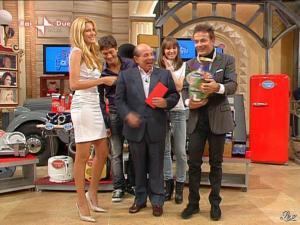 Adriana Volpe dans I Fatti Vostri - 17/11/09 - 05