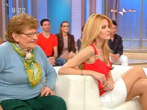 Adriana Volpe dans Mattina In Famiglia - 09/05/09 - 08