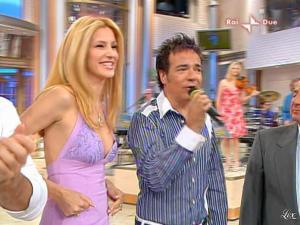 Adriana Volpe dans Mezzogiorno In Famiglia - 17/05/09 - 02