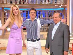Adriana Volpe dans Mezzogiorno In Famiglia - 17/05/09 - 03