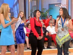Adriana Volpe dans Mezzogiorno In Famiglia - 23/05/09 - 22