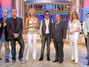 Adriana Volpe dans Mezzogiorno In Famiglia - 25/04/09 - 05