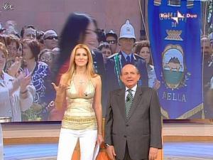 Adriana Volpe dans Mezzogiorno In Famiglia - 25/04/09 - 06