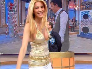 Adriana Volpe dans Mezzogiorno In Famiglia - 25/04/09 - 09