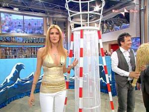 Adriana Volpe dans Mezzogiorno In Famiglia - 25/04/09 - 18