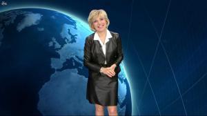 Evelyne Dhéliat dans la Meteo - 10/02/11 - 01
