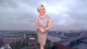 Evelyne Dhéliat dans la Meteo de 13h - 08/11/11 - 01