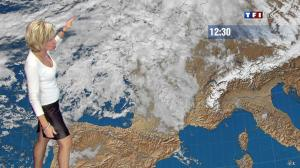 Evelyne Dhéliat dans la Meteo de 13h - 08/12/11 - 04