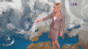 Evelyne Dhéliat dans la Meteo de 20h - 01/12/11 - 02