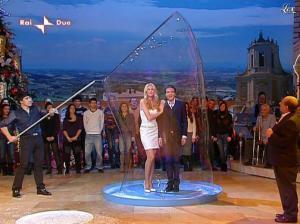 Adriana Volpe dans I Fatti Vostri - 01/01/10 - 41