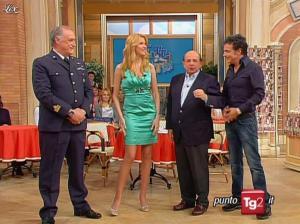 Adriana Volpe dans I Fatti Vostri - 05/04/10 - 01
