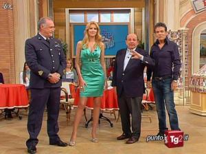 Adriana Volpe dans I Fatti Vostri - 05/04/10 - 02