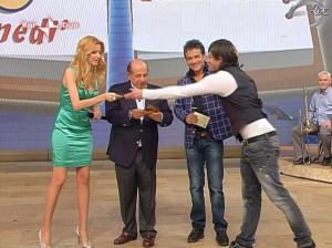 Adriana Volpe dans I Fatti Vostri - 05/04/10 - 08