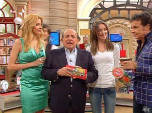 Adriana Volpe dans I Fatti Vostri - 05/04/10 - 17