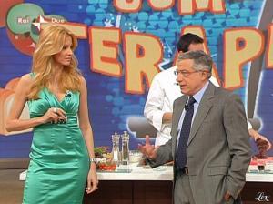 Adriana Volpe dans I Fatti Vostri - 05/04/10 - 26