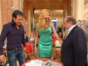Adriana Volpe dans I Fatti Vostri - 05/04/10 - 33