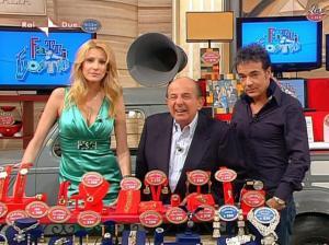 Adriana Volpe dans I Fatti Vostri - 05/04/10 - 37