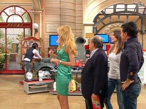 Adriana Volpe dans I Fatti Vostri - 05/04/10 - 39